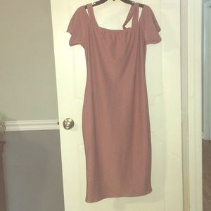 Midi pink dress with off shoulders, cap sleeves